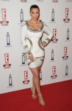 kardashian kim 2010 may white3