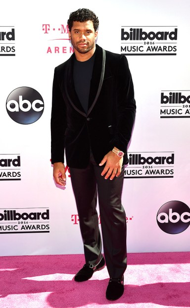 rs_634x1024-160522160655-634-russell-wilson-2016-billboard-music-awards