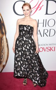 rs_634x1024-160606170110-634-jessica-chastain-cfda-2016