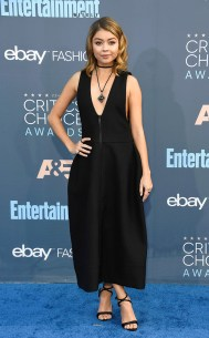 rs_634x1024-161211160454-634-sarah-hyland-22nd-critics-choice-awards-arrivals-santa-monica-kg-121116