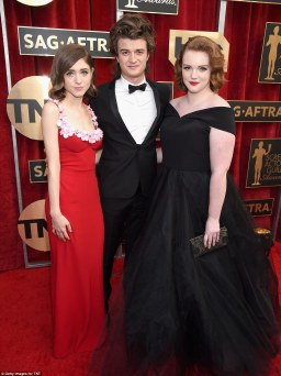 3ca3861800000578-4160868-natalia_dyer_joe_keery_and_shannon_purser-m-205_1485733756849