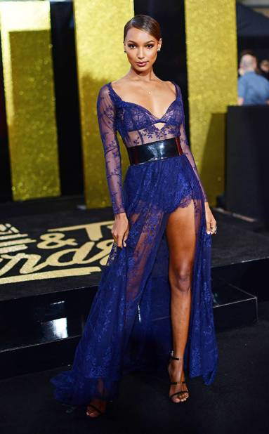 rs_634x1024-170507162136-634.Jasmine-Tookes-MTV-Movie-and-TV-Awards.kg.050717