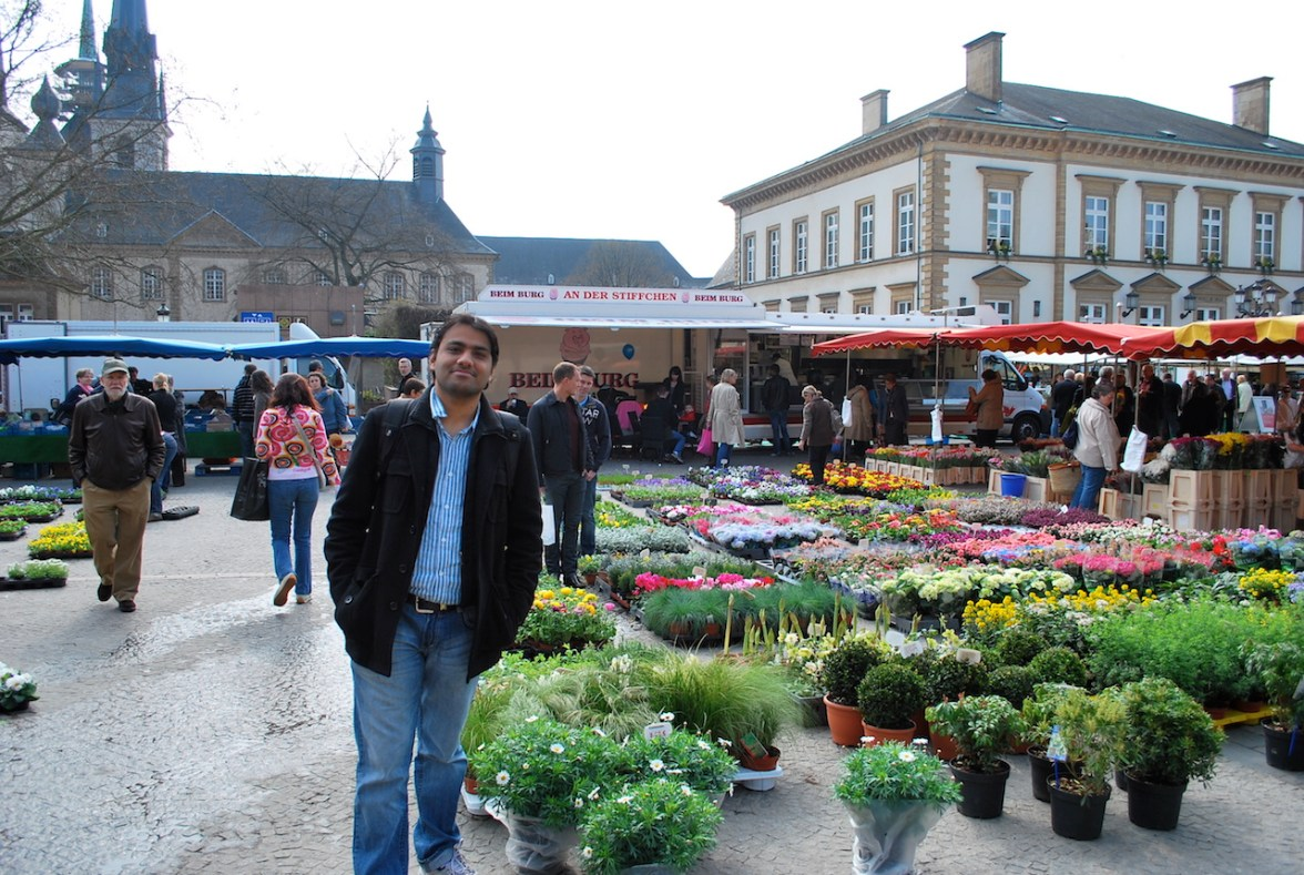 KK at Place Guillaume II