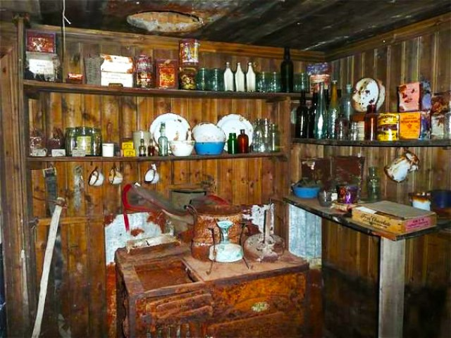 2102091-inside-Borchgrevink-s-hut-0