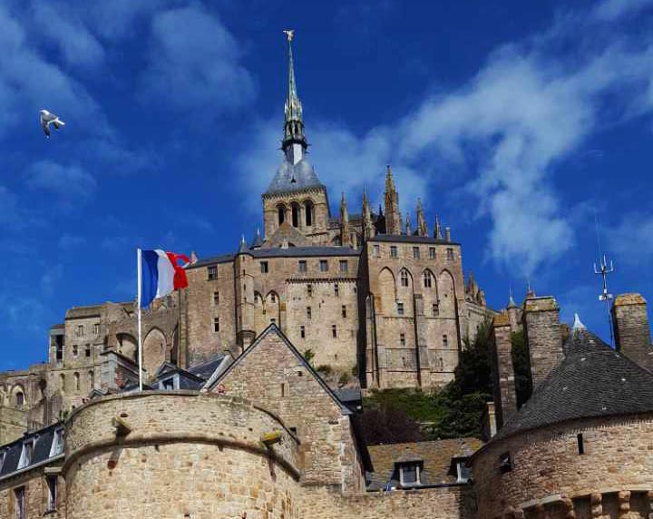 Le Mont-Saint-Michel –  Island and mainland