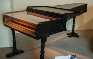 1720 Cristofori fortepiano – The world's oldest surviving piano is being exhibited in New York