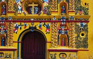 Iglesia de San Andrés Xecul – The brightly-painted Catholic church in San Andrés Xecul