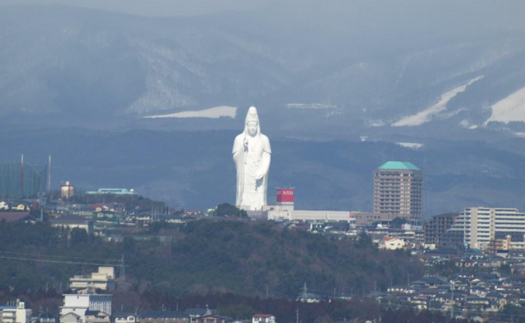 Sendai Daikannon – The gleaming white statue of Nyoirin Kannon in Sendai