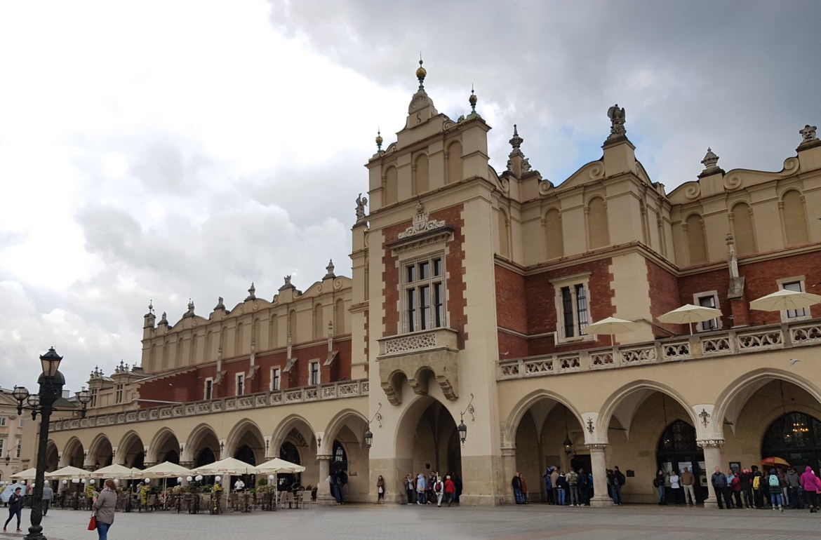 Cloth Hall – Τhe center of culture and commerce in Krakow