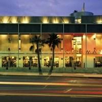 HEAT - The restaurant scene in Beverly Hills