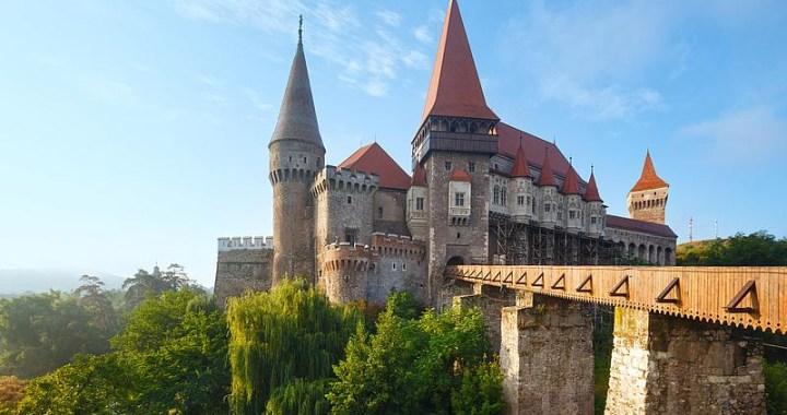 Corvin Castle – Τhe imposing medieval castle in Hunedoara