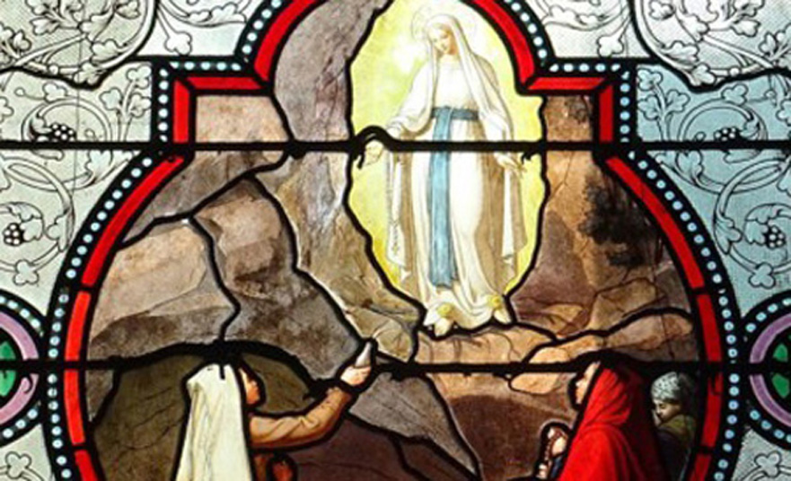 The grotto at Massabielle – The vision of Mary in Lourdes
