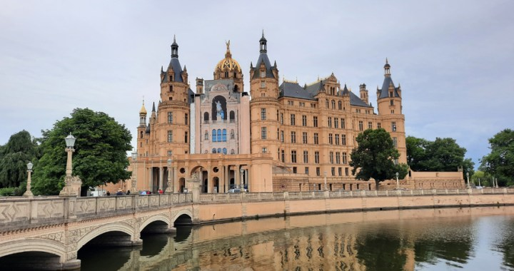 "Schweriner Schloss – The ""Neuschwanstein of the North"" in Schwerin"