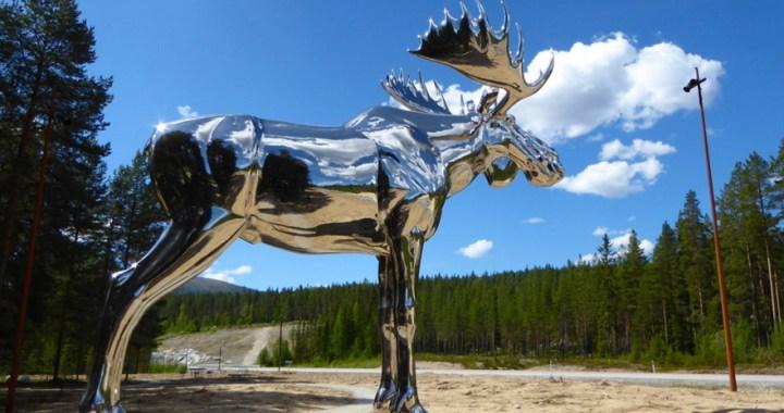 Storelgen – The Big Elk in the village of Atna