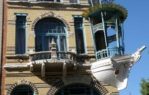 Huis de Vijf Werelddelen – The eccentric House of the Five Continents in Antwerp