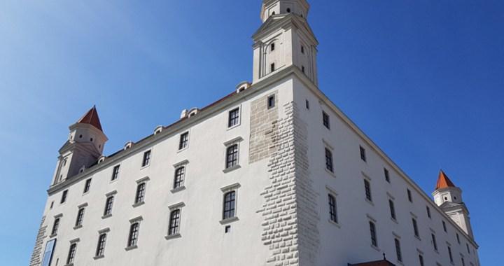 Bratislavský hrad – The main massive rectangular castle in Bratislava