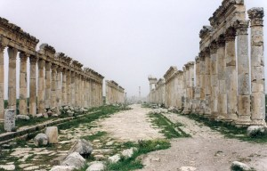 The Great Colonnade at Apamea – The main avenue of the ancient city in Qalaat Al Madiq