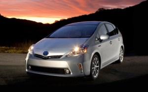 2013-Toyota-Prius-V-front-three-quarter-1024x640