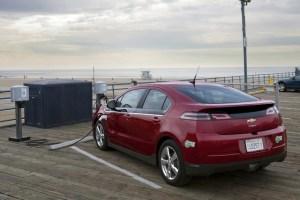 2013-Chevrolet-Volt-Image-03