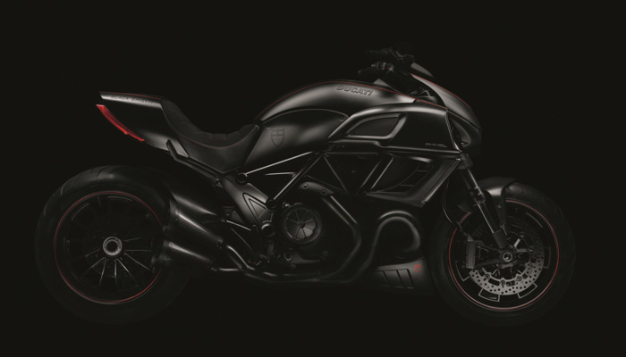 Todas las fotos del Tudor Ducati Black Shield