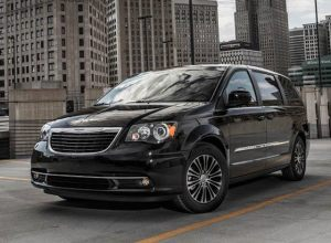 2013-chrysler-town-and-country-s-628-2