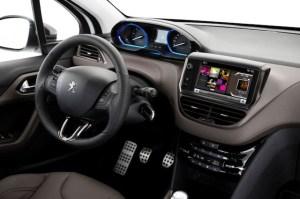 Peugeot-2008-photo-interior-1-1024x682