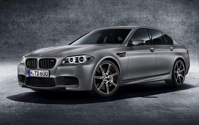 BMW M5 cumple 30 años y los celebra con potencia