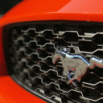 2015-Mustang-EcoBoost-Static-Angeles-Hwy-012