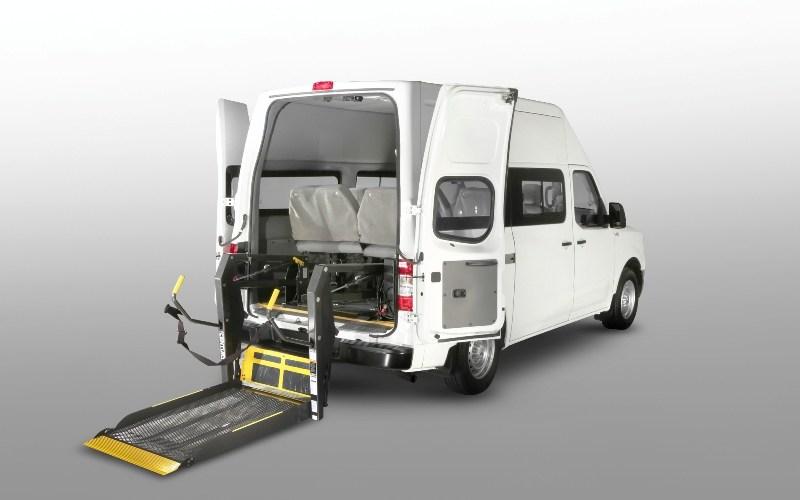 Nissan convierte sus vehículos comerciales ligeros en transportadores de esperanza