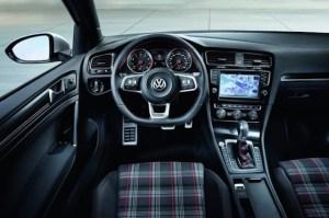 2014_VW_GTI_5-thumb-530x353-23236
