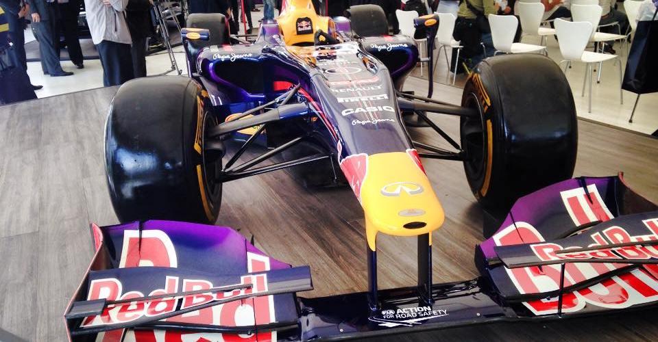 Infiniti presenta la renovada QX80 y el F1