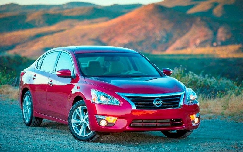 Altima confirma la posición de Nissan como marca innovadora en seguridad