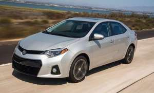2016-Toyota-Corolla-Special-Edition-on-road
