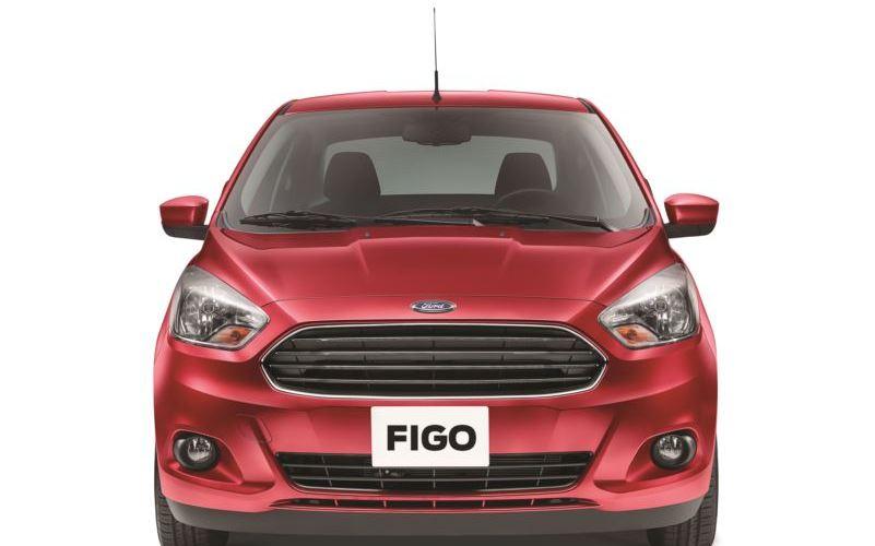 Ford presenta Figo y completa gama Mustang