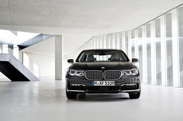 BMW P90178473_lowRes_the-new-bmw-7-series