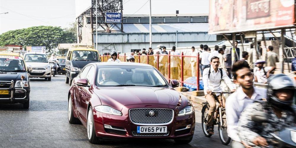 Jaguar presenta 16 MY XJ, movilidad inteligente en Mumbai