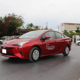 Test Drive Toyota Prius 2