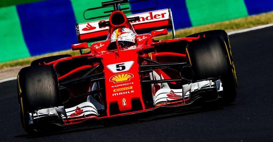 Vettel se va de vacaciones como líder del campeonato