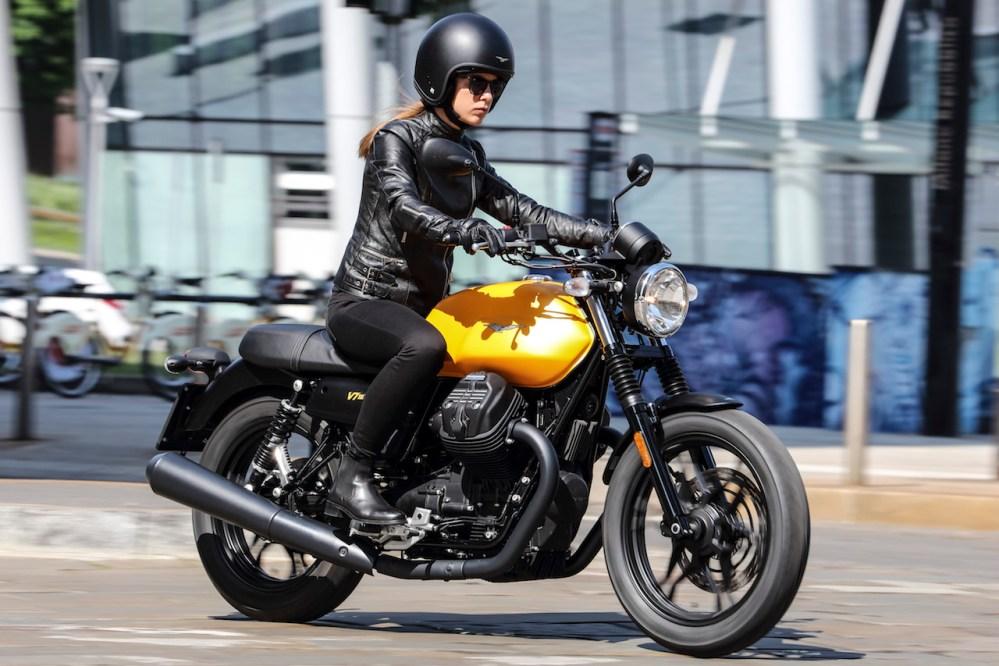 Moto Guzzi, se presenta en México la V7 III Stone
