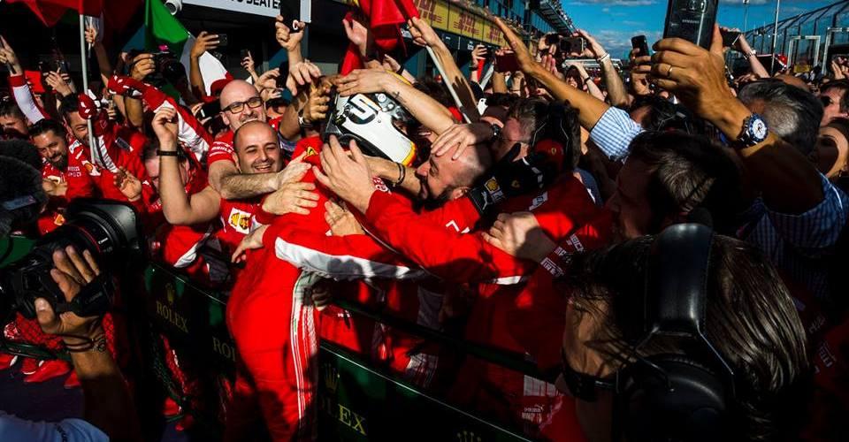Vettel le borra la sonrisa a Hamilton con la victoria en Australia