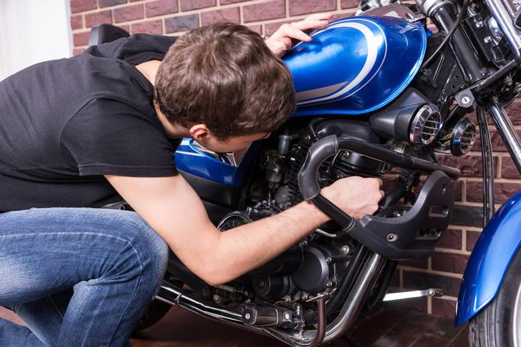 Cómo darle mantenimiento a tu moto
