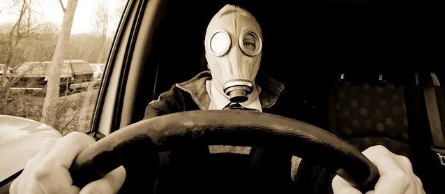 Estos olores extraños pueden indicar si tu auto está enfermo