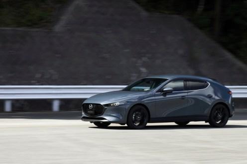 12_Mazda3_5HB_EXT_Polymetal Gray Metallic_12