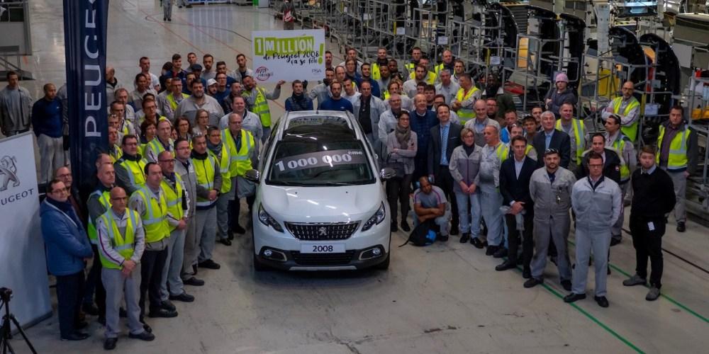 Peugeot 2008 celebra la producción de la unidad un millón en Mulhouse, Francia