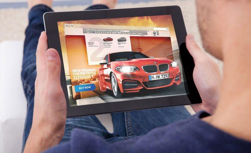 Pros y contras de comprar un auto en línea