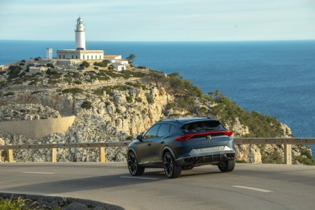 The-CUPRA-lighthouse_06_HQ