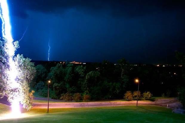 lightning_strike_01