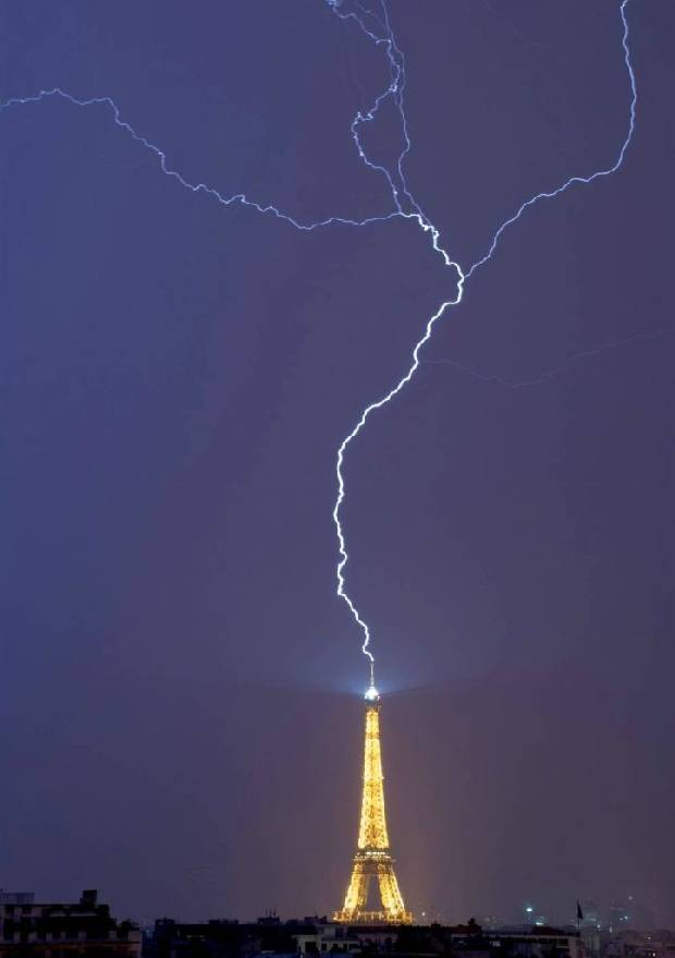 lightning_strike_03