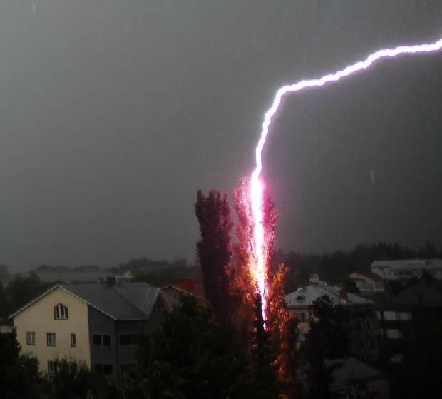 lightning_strike_07