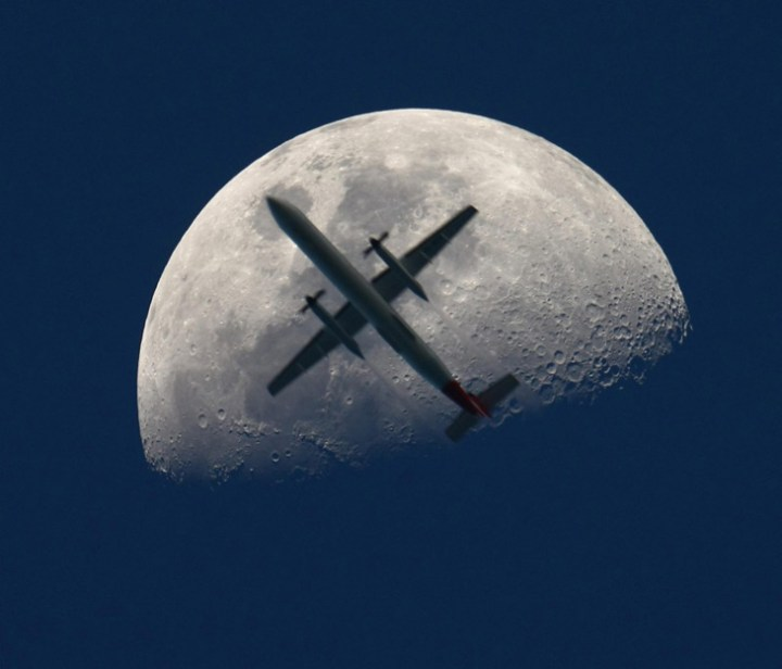 moon-plane-crop-1-e12858447